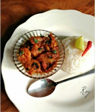 Chingri Maachher Kalia (Prawn/fish kalia - an authentic Bengali recipe)